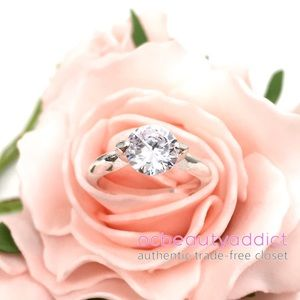 Silver Australian Crystal Solitaire Fashion Ring